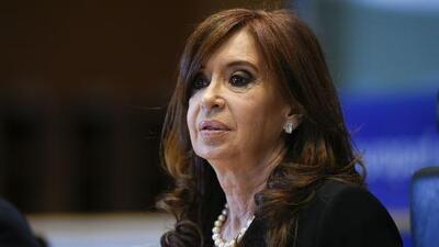 """Acusan a expresidenta argentina Cristina Fernández de """"traición a la patria"""" por presunto pacto con Irán"""