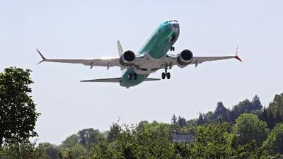 La Agencia Federal de Aviación asegura que las alas de varios aviones Boeing 737 tienen partes defectuosas