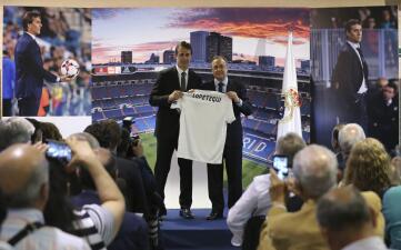En fotos: la presentación de Julen Lopetegui con el Real Madrid