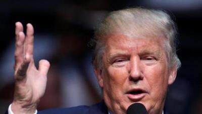 Trump lanza ataques aéreos en contra de Siria, mientras les niega la entrada a refugiados de ese mismo país