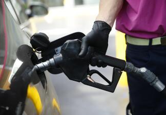 Estas aplicaciones te ayudarán a encontrar los precios más bajos de gasolina