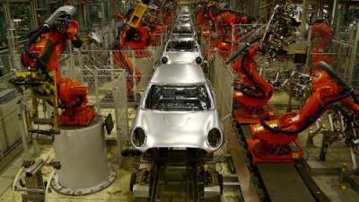 China, los inmigrantes o los robots: ¿quién se está 'robando' los puestos de trabajo en EEUU?