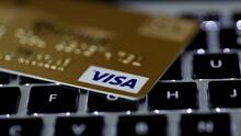 El efectivo parece estar siendo desplazado por tarjetas y aplicaciones en restaurantes y comercios