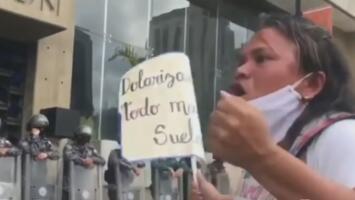 """""""¡Quiero comer bien!"""": crece la exigencia en Venezuela mientras se conoce plan fallido para la salida de Maduro"""