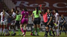 Dura sanción para jugadora de Chivas por patada 'llanera'