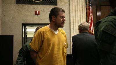 Denuncian que Jason Van Dyke fue golpeado en una prisión a la que lo trasladaron sin informarle a su familia