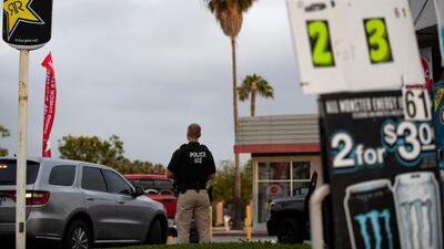 Pérdidas de miles de dólares y puertas cerradas: el golpe a negocios latinos ante la amenaza de operativos de ICE
