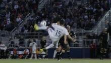 Aprendiendo de Zlatan: Impresionante golazo de tijera de Ariel Lassiter para LA Galaxy