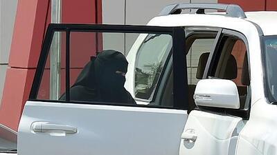 Mujeres en Arabia Saudita podrán manejar vehículos por primera vez