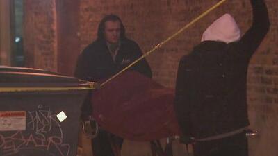 Un desamparado muere congelado en una calle de Chicago