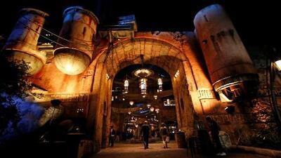 Parque temático de 'Star Wars' en Disneyland California impulsa el turismo y la economía de Anaheim
