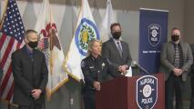 Presentan cargos a un adolescente sospechoso del robo de un auto y de herir a su víctima en Aurora
