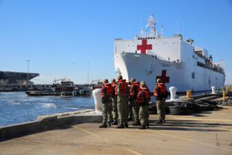 Este es el buque hospital que viajará por Latinoamérica para ayudar a los venezolanos desplazados en la región