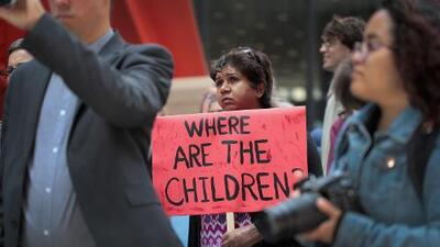 Por qué la crisis migratoria generada por Trump en la frontera es peligrosa para los republicanos en año electoral