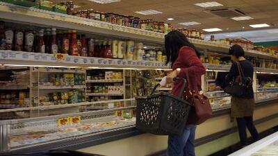 Expertos en inmigración analizan la disminución de solicitudes de bonos de alimentos 'Snap'