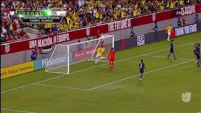 ¡GOOOL! Carlos Bacca anota para Colombia