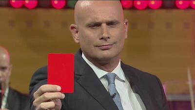 Las tarjetas del Conde K: roja, color infierno, para la selección Argentina