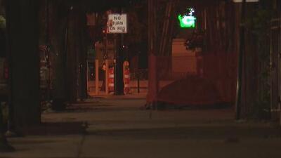 Investigan la muerte de un hombre cuyo cuerpo baleado fue encontrado en un callejón de Pilsen