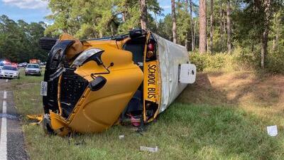 Investigan accidente que involucra autobús escolar en el que viajaba 23 estudiantes