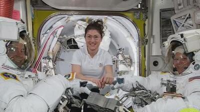 Por un problema de talla, una astronauta queda fuera de la primera caminata espacial solo de mujeres