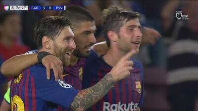 Tres goles en la segunda mitad y un gran Messi destrozaron al PSV del 'Chucky' Lozano
