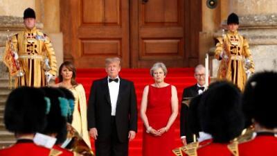 En su primer día en Londres, Trump critica a Theresa May y pone en duda el acuerdo comercial entre ambos países