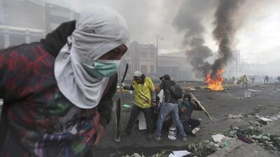 El presidente de Ecuador decreta un toque de queda en Quito en el décimo día de protestas en su contra