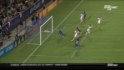Romario se le pierde a la defensa del Galaxy y consigue el empate para Minnesota
