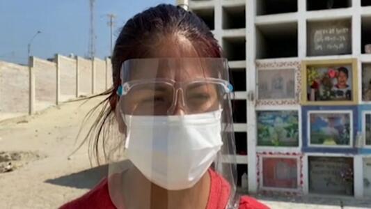"""""""No tengo más lágrimas"""": esta mujer peruana perdió a 13 familiares por covid-19"""
