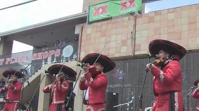 Comunidad salió a las calles a celebrar la gran fiesta del Cinco de Mayo en San Antonio