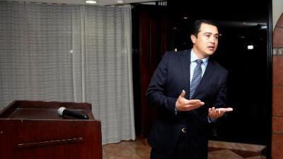 Fiscal presenta una 'narcolibreta' con anotaciones de envíos de drogas que supuestamente implican al presidente de Honduras