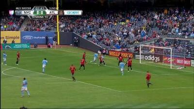Pase de Yangel Herrera,que marca el gol