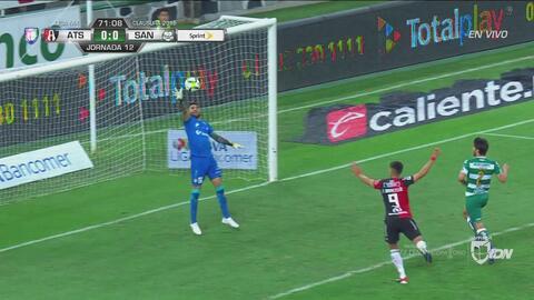 Atajadón de Jonathan Orozco y le quitó el gol a Barceló