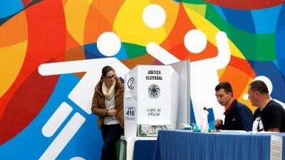 Los brasileños eligen presidente cansados de su clase política