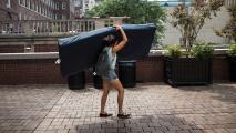 ¿Tienes un colchón viejo que te quita espacio en casa? El Banco de Muebles en Houston te tiene una solución
