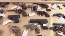 Activistas reiteran la importancia de guardar armas de manera segura