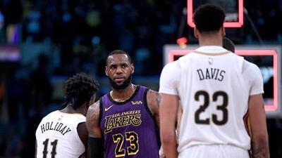 ¡Lo quiere consentir! LeBron James cedería su jersey No. 23 a Anthony Davis