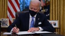 Biden presenta sus primeras políticas migratorias y te explicamos los principales beneficios