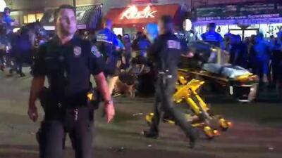 Autoridades describen a sospechoso de tiroteo que dejó dos personas heridas en la calle sexta