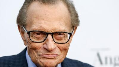 Larry King hospitalized after heart attack