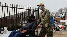 Con vacunas puerta a puerta, los ancianos en Nueva York confinados en sus casas pronto recibirán inmunización