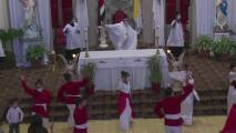 """""""Sin las mascarilla, covid pa' ti, covid pa' mí"""": la canción viral de un sacerdote para concienciar a sus feligreses"""