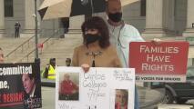Activistas exigen una investigación sobre las muertes por coronavirus en distintos asilos de Nueva York