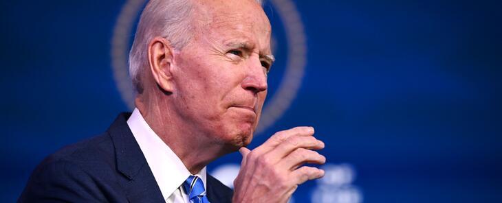 Otro cheque, más ayuda por desempleo y acelerar la vacunación: Biden presenta un plan económico por $1.9 billones