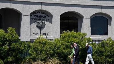 Al menos un muerto y tres heridos tras tiroteo en sinagoga del sur de California