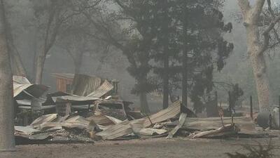 Gobernador de California calificó la situación de los incendios como 'peor que una zona de guerra'