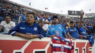La última vuelta olímpica del Estadio Azul