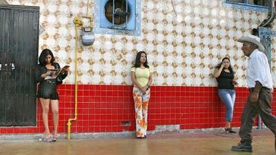 """""""Niñas nuevecitas y recién robadas"""": la oferta de turismo sexual en Tijuana"""