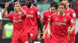 Stuttgart y Hannover ganan y salen de la zona de descenso de la Bundesliga