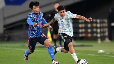 Mientras a apoyaba a Argentina, aficionado japonés es echado